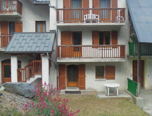 vue sur la résidence le martian, location d'hébergements, saint-colomban-des-villards, savoie