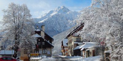 village de saint colomban des villards en hiver location appartement gite résidence et centre de vacances
